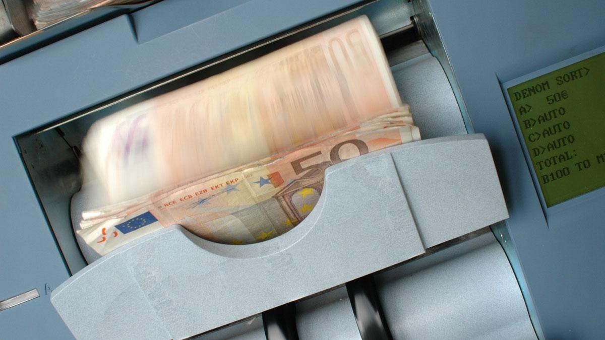 Se precisa de transferir verbas parao estrangeiro, saiba a forma mais fácil de transferir dinheiro para o estrangeiro